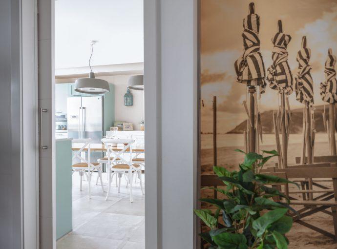Entrada cocina reforma parcial obra nueva en Algorta