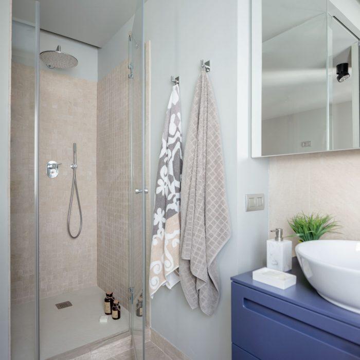 Ducha baño proyecto de reforma de vivienda antigua en el centro de Bilbao
