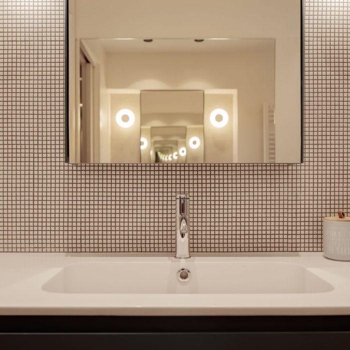 Espejo baño reforma de vivienda en Santurtzi