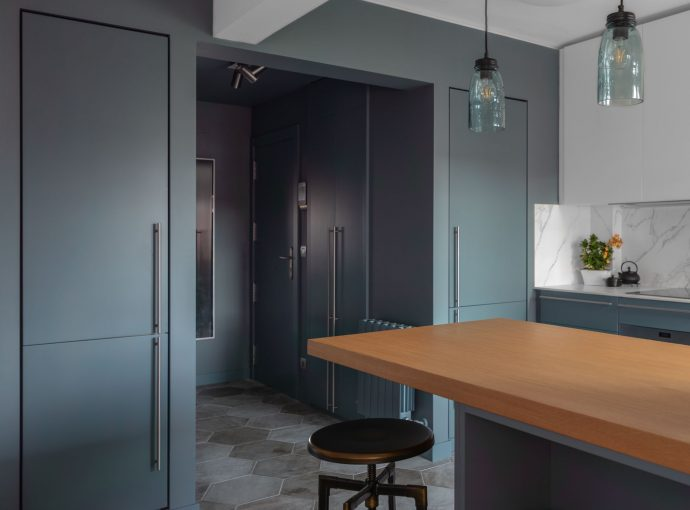 Mesa isla cocina proyecto reforma de apartamento en Leioa